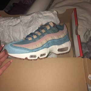 Nike Shoes | Womens Air Max 95 Lx Size 65 Fits Like A 7